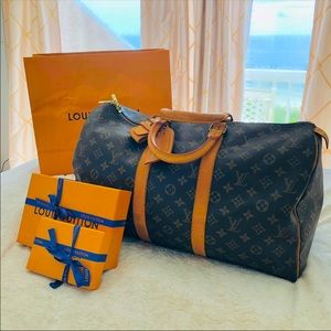 Louis Vuitton Keepall Monogram Canvas Luggage gym Weekend bag luxury carry on